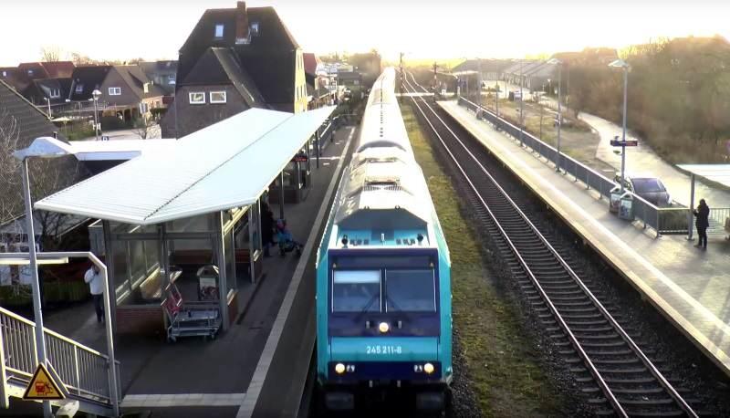 Aktueller Zug der DB Regio auf der Strecke Hamburg - Sylt
