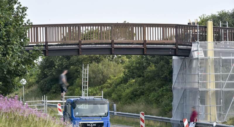 Sie kann wieder genutzt werden, die Brücke über die L24