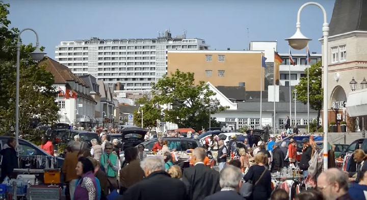 Hausfrauenflohmarkt in Westerland