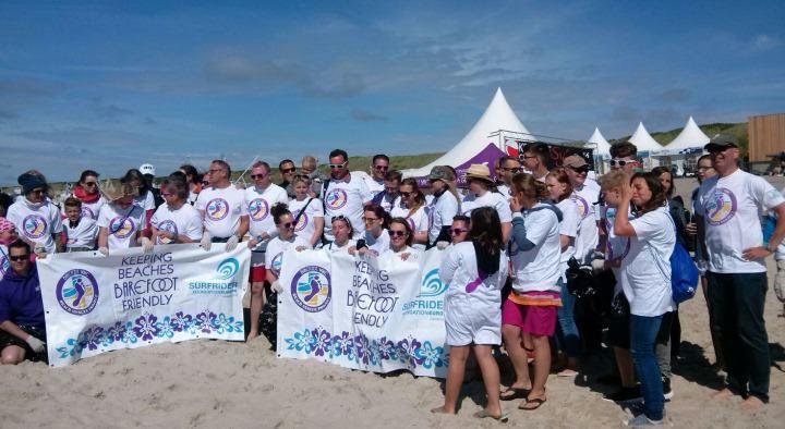 Strandreinigung in Westerland durch über 50 Helfer