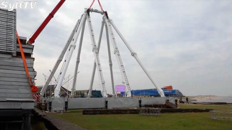 Schon der Aufbau des 35 Meter hohen Riesenrads auf Sylt ist eine Attraktion