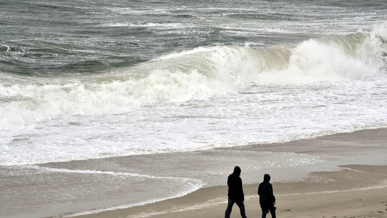 Sturm Sebastian wühlt die Nordsee vor Sylt auf