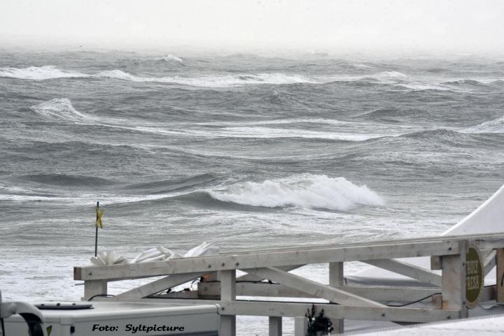 Sturmtief Walpurga sorgt auf Sylt für Herbstfeeling