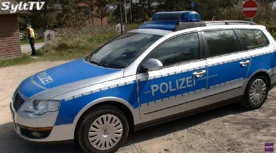 Sylter Polizeistreife befreit Hunde aus überhitztem Auto