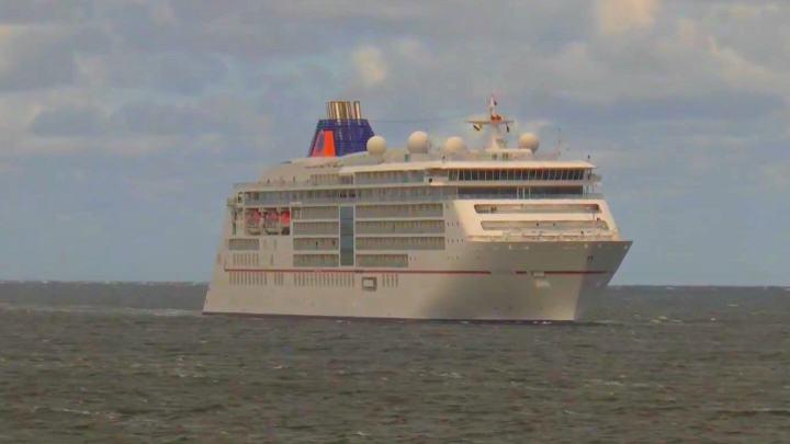 Die MS Europa 2 war im letzten Jahr schon mal vor Sylt unterwegs