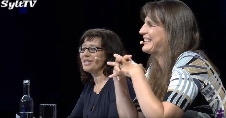 Sina Beerwald und Gabriella Engelmann