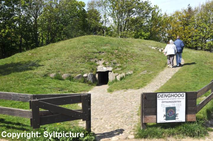 Großsteingrab auf Sylt, der Denghoog in Wenningstedt