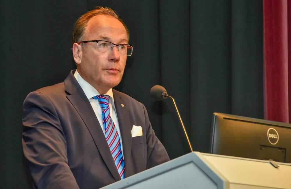 Dr. Michael Brandt, Präsident der Zahnärztekammer Schleswig-Holstein, eröffnet die 60. Sylter Woche.