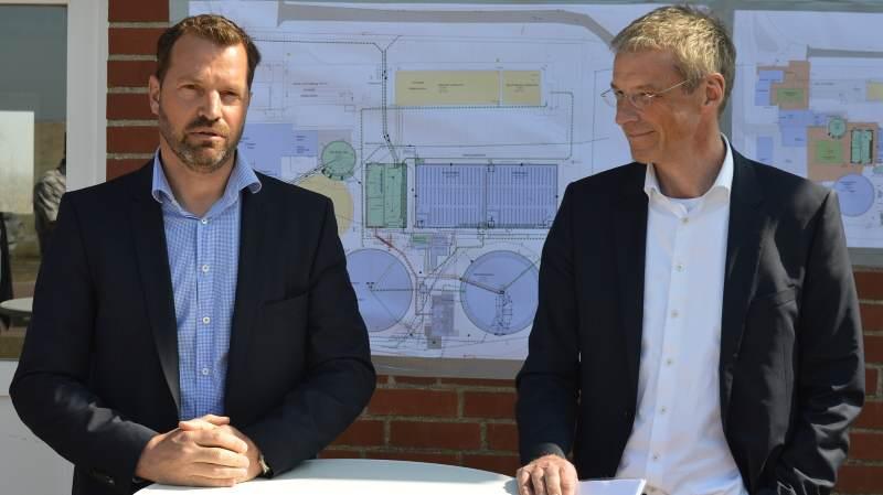 Erläuterten die Sanierungsmaßnahmen: Björn Hansen (l.) und Rolf Prinz