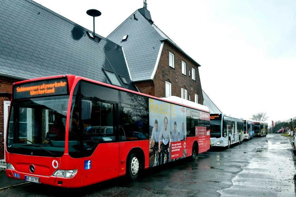 Busse leisten den Schienenersatzverkehr auf Sylt und am Festland