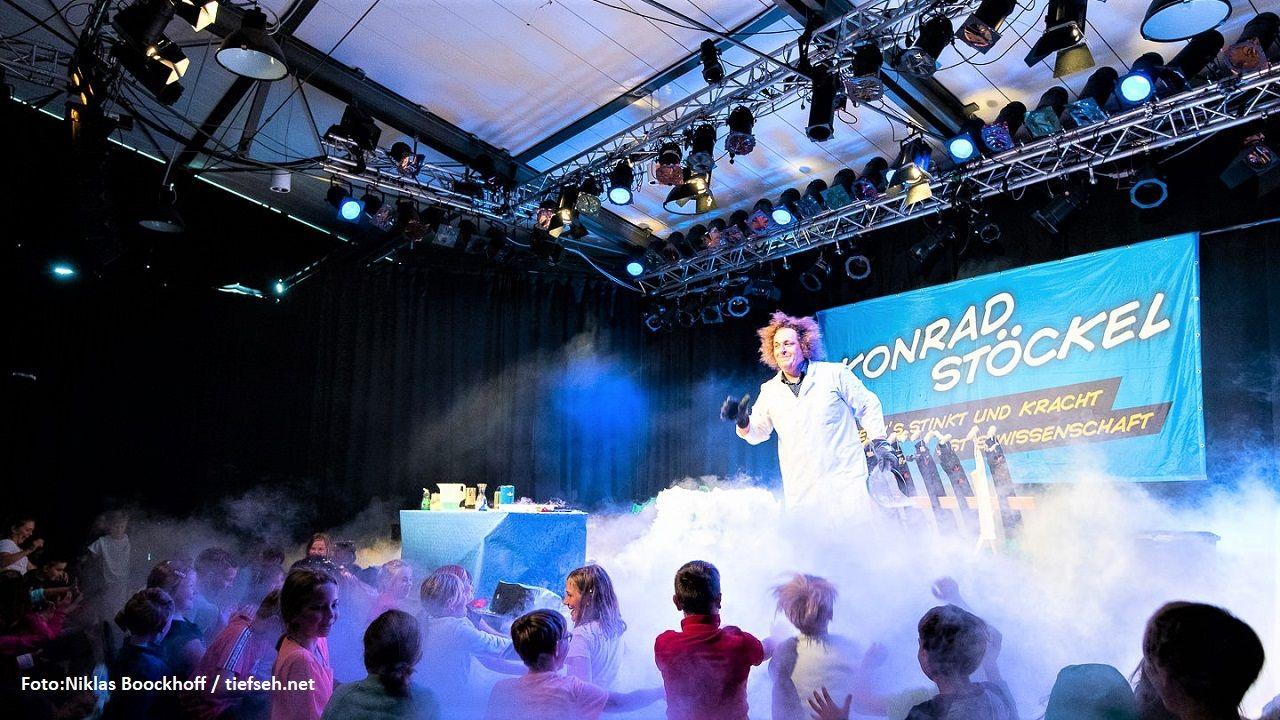 Die Sylter Schüler konnten Wissenschaft mit Spaß und Spektakel erleben