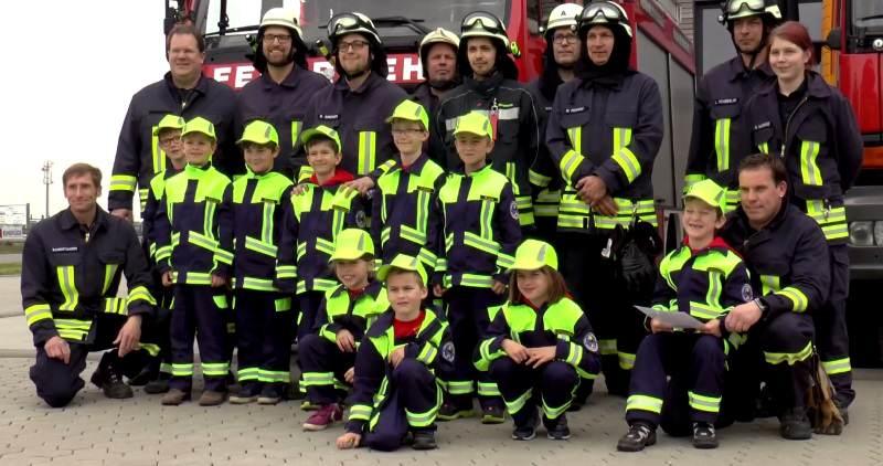 Die aktive Feuerwehr und die Kinderfeuerwehr von Archsum/Sylt