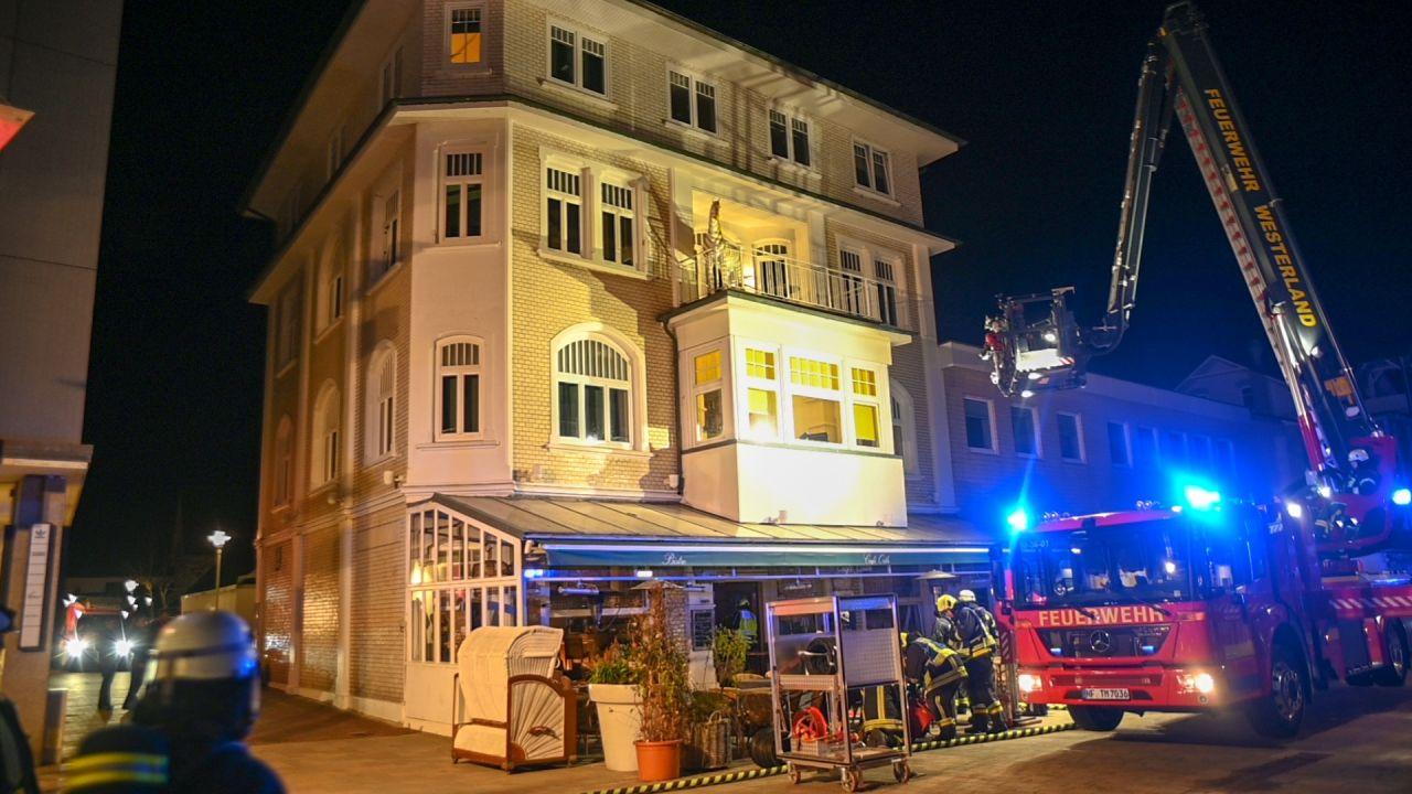 Zum Glück waren keine Personenschäden oder größere Schäden im Café zu beklagen