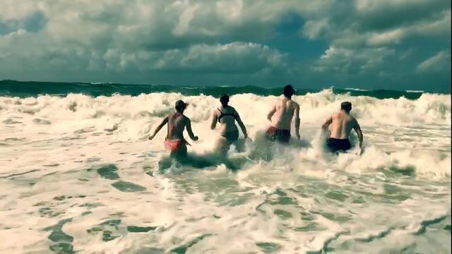 Sylter Lebenfreude pur beim Sprung in die Nordsee