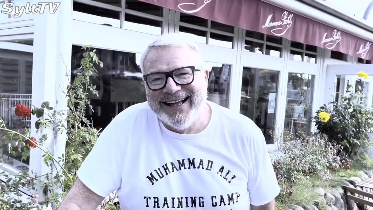 Da hat Pius Regli Gastronom in Kampen auf Sylt gut lachen, ab heute kann er wieder Geld verdienen