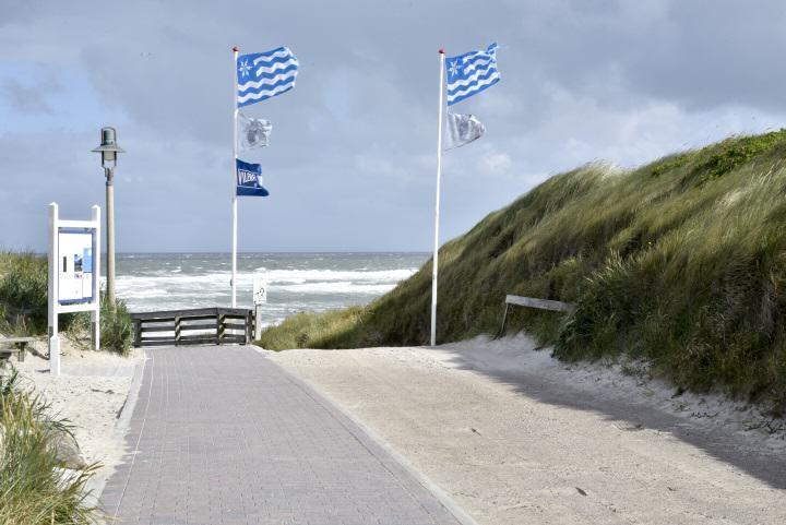 Auf  Sylt kann man auch mit einem Handicap an den Strand