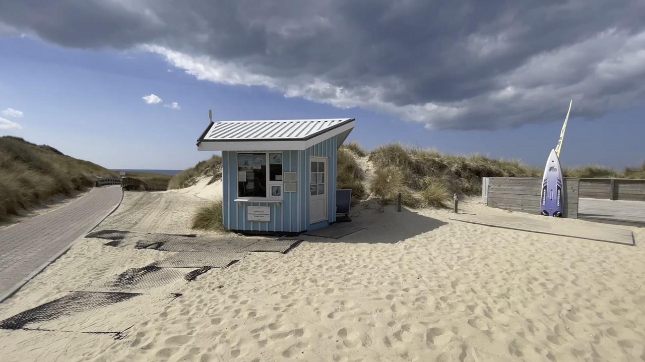 Noch sind die Strandübergänge überwiegend leer auf Sylt, aber wie wird es ab Samstag sein?