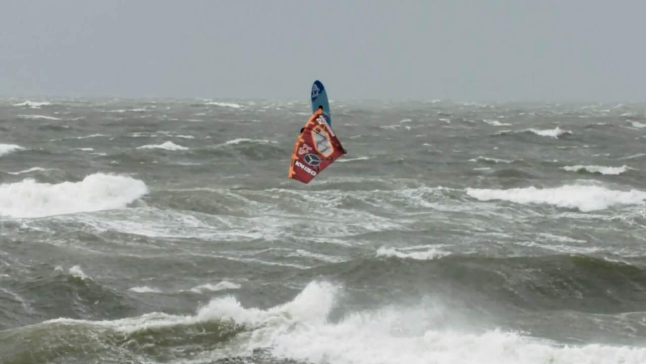 Windsurfer in Action kann man auf Sylt hautnah erleben