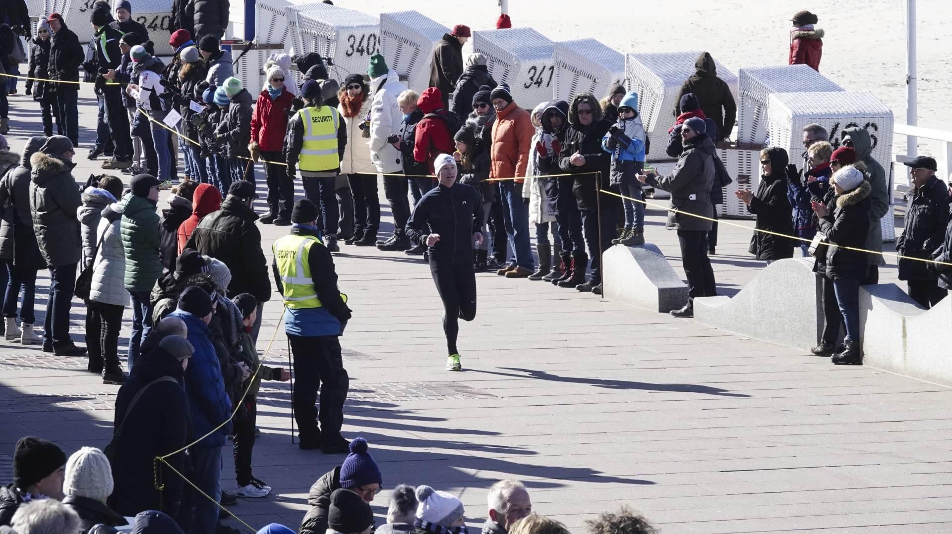 Auf der Promenade konnten sich die Syltläufer/innen stärken