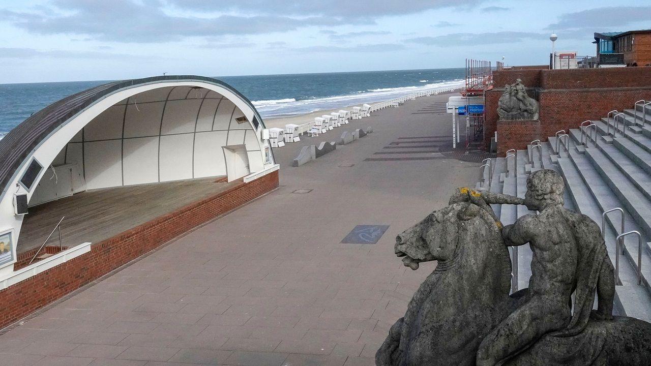 So leer wie heute Morgen wird es wohl mindestens die nächsten 4 Wochen auf der Westerländer Promenade bleiben