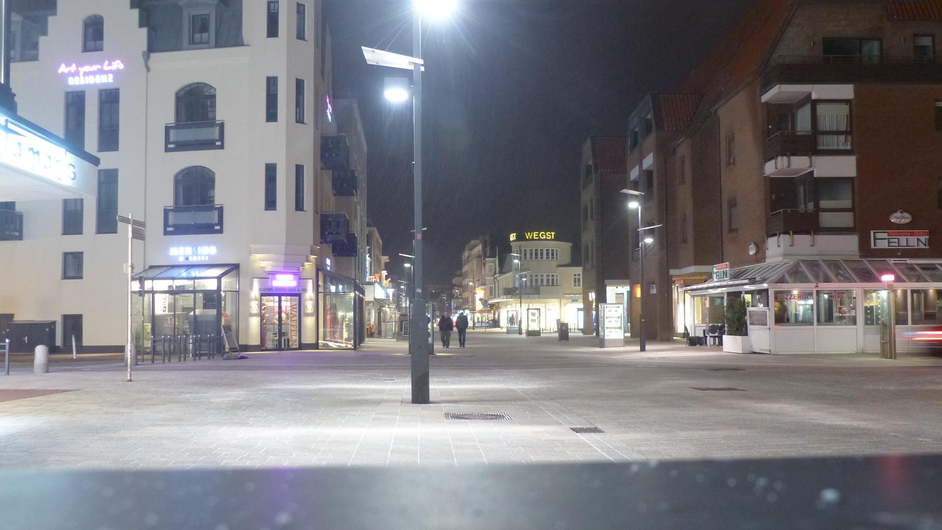 Verschneite Friedrichstraße