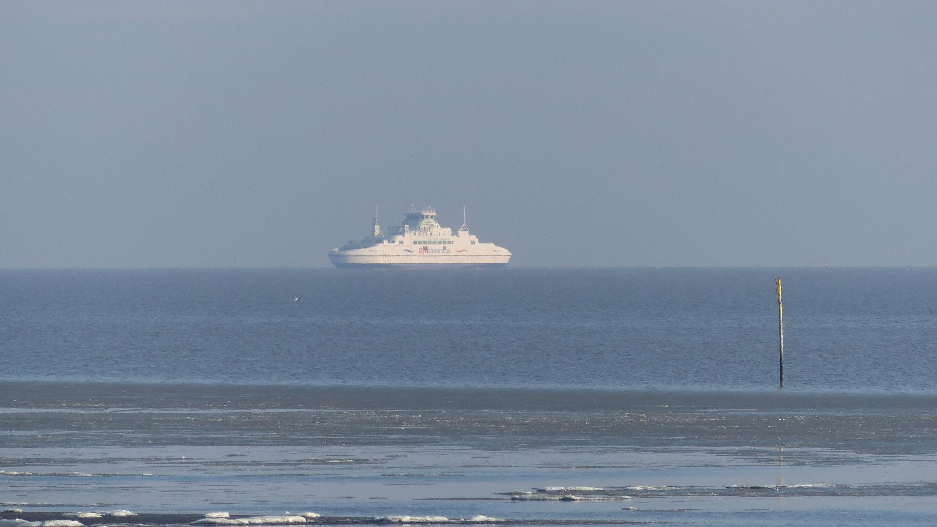 Die Syltfähre auf hoher Nordsee