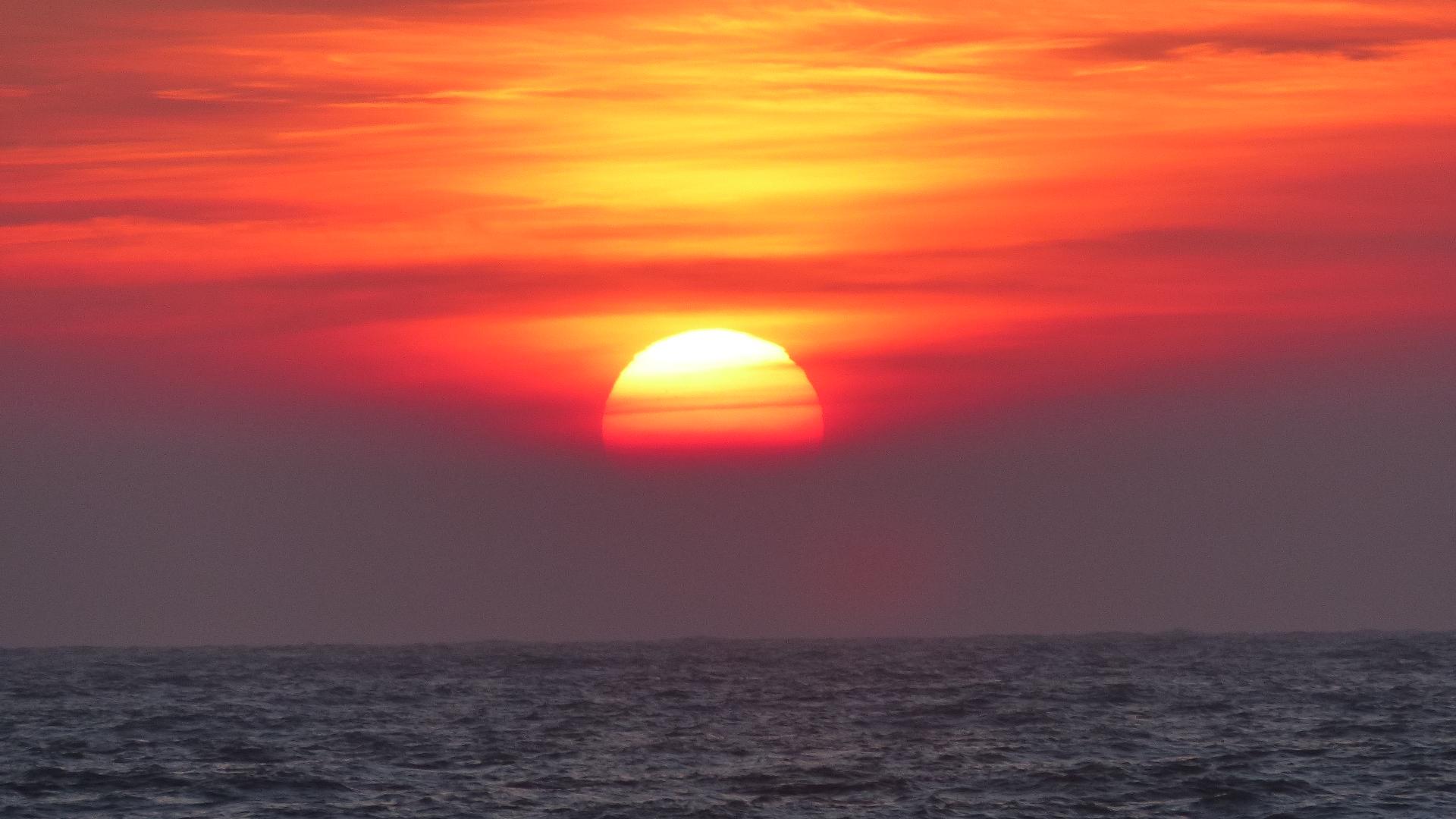 Wenn vor Sylt die rote Sonne im Meer versinkt.....